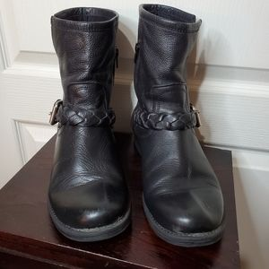 Steve Madden,Black Leather Flair Ankle Boots